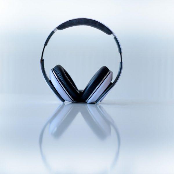 avantages casque audio vs enceinte